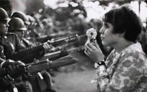 La jeune fille à la fleur, Marc Riboud
