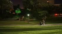 Le baiser de l'Hôtel de Ville fait des petits au Texas