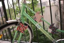 Une idée saugrenue, j'ai collé des origamis sur mon vélo