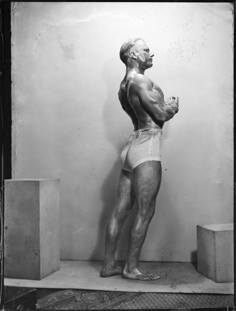 Portrait of strongman Don Athaldo, 1936, Powerhouse Museum Collection