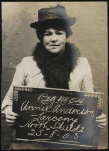 Annie Anderson, voleuse arrêtée en août 1903. Tyne & Wear Archives & Museums