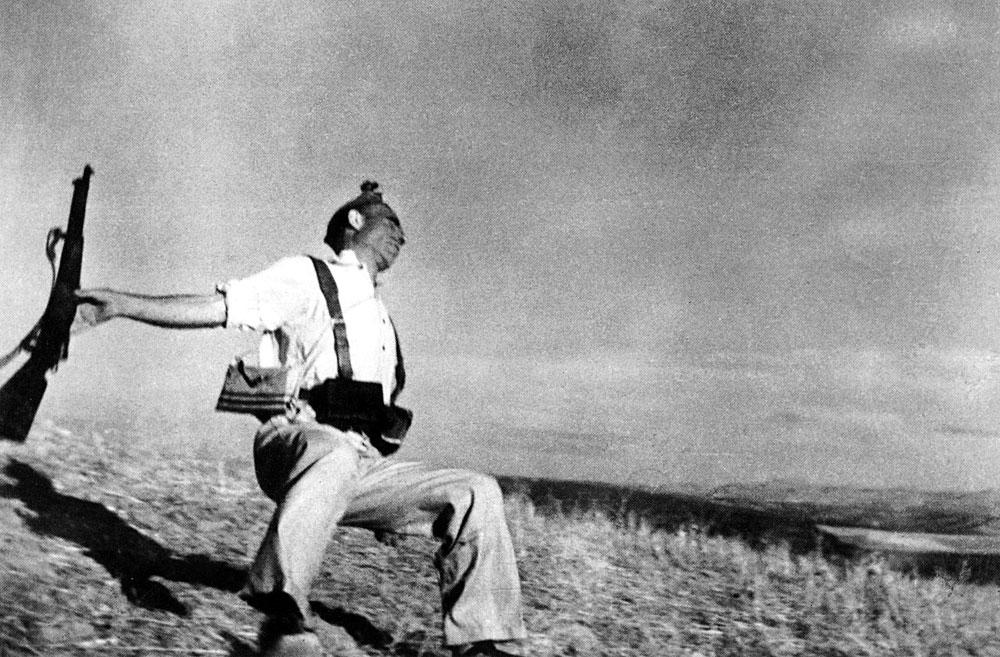 Robert Capa, Mort d'un soldat républicain, Guerre d'Espagne, 5 septembre 1936