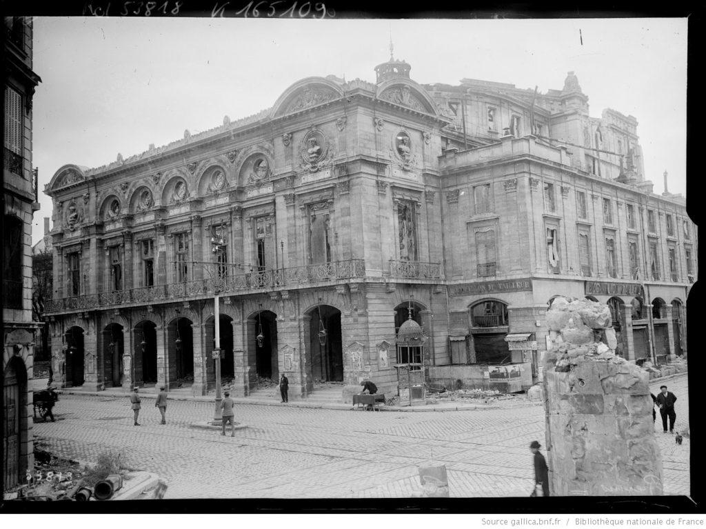 Le Grand Théâtre de Reims endommagé par la guerre, Agence Rol. Agence photographique , 1919, Bibliothèque nationale de France, département Estampes et photographie