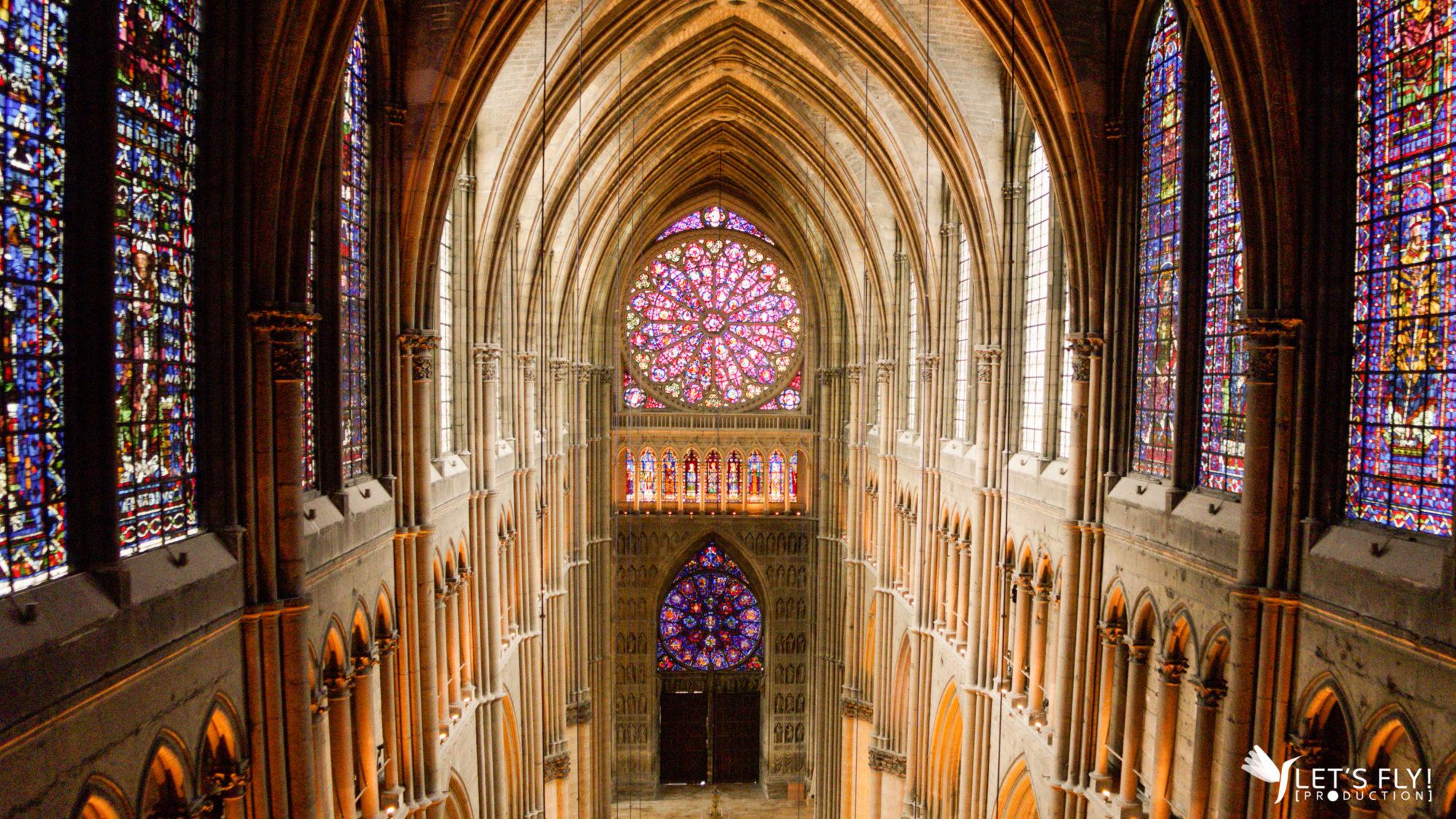 Vue du ciel, la cathédrale de Reims comme vous ne l'avez jamais vue !