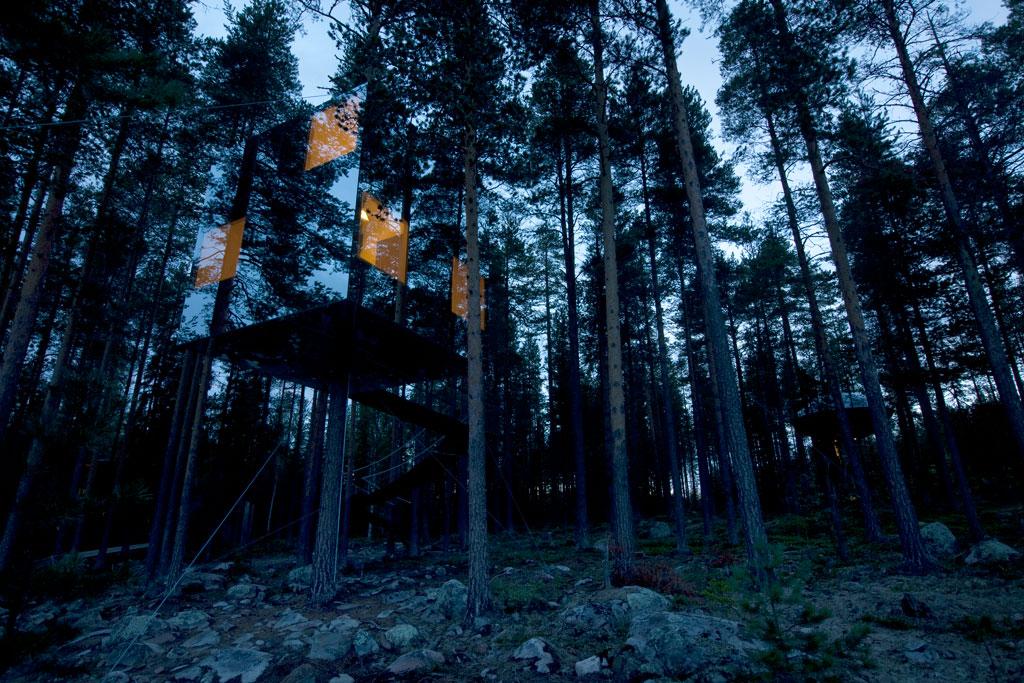 Un hôtel invisible dans la forêt suédoise