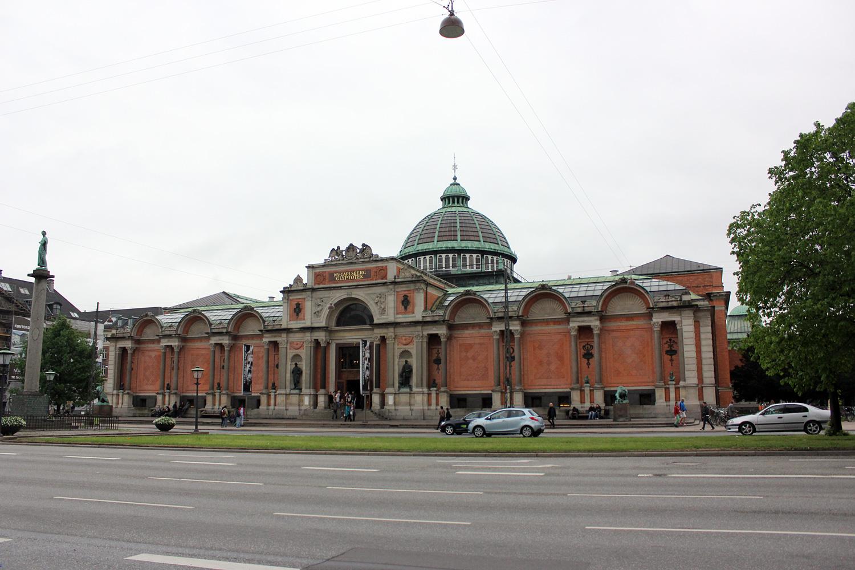 Ornements et gigantisme de la Ny Carlsberg Glyptotek